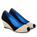 Elegant Color Block and Peep Toe Design Wedge Shoes For Women