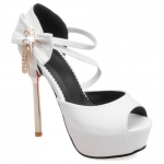Pretty PU Leather and Bowknot Design Peep Toe Shoes For Women